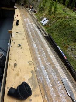 Durch die fleissigen Bahnarbeiter wurde der Schutt bereits abgeräumt und die Baustelle gesäubert!