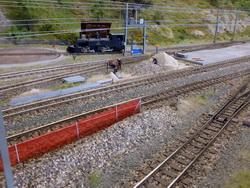 Die westliche Seite konnte aufgrund bestehender Module nicht dem Vorbild nachgebildet werden, deshalb sind hier einige Kompromisse vorhanden. Ein Baustelle deutet den noch nicht ganz abgeschlossenen Ausbau an.