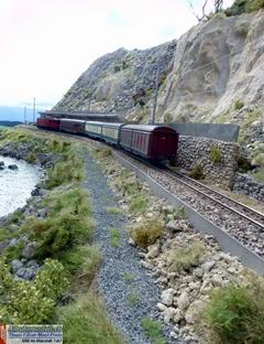 Häufig verkehren Güterzüge zwischen Chur und Ilanz. Hier mit der passenden Ge 4/4 617