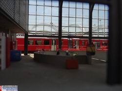 Das Zentrum der Bahnhofhalle wird durch die kreisförmige Unterführung dominiert. Es kostete auch einige Stunden dies ins Modell umzusetzen