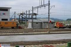 Der moderne Verladekran für den Güterumschlag Bahn/Strasse