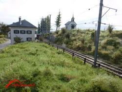 Einfahrt in den Bahnhof, Seite Tavanasa